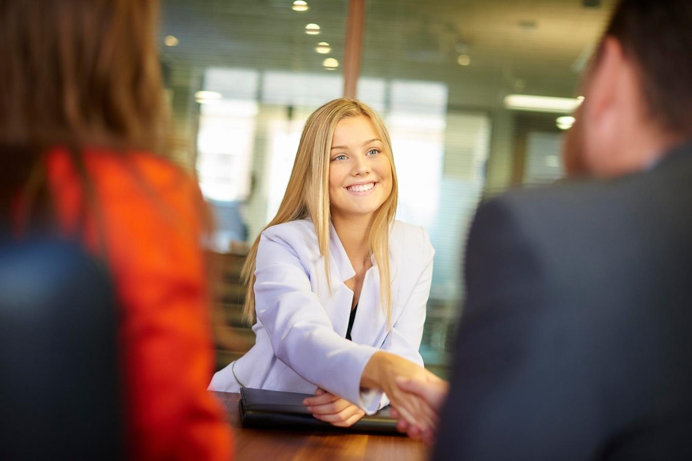 ЦЗН напоминает работодателям об обязанности информировать службу занятости об имеющихся вакансиях